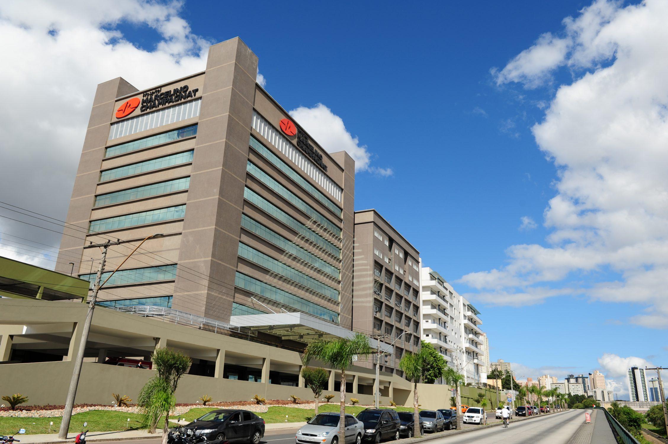 Hospital Marcelino Champagnat anuncia colapso total e fechamento para qualquer novo paciente